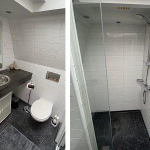 Vakantiehuis Bas toilet en douche boven